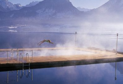 Un tuffo in mezzo al lago